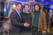 Life Guidance Kinopremiere - Gartenbaukino - Mi 10.01.2018 - Fritz KARL mit Sohn Aaron KARL, Elena UHLIG (schwanger)44