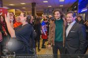 Life Guidance Kinopremiere - Gartenbaukino - Mi 10.01.2018 - Fritz KARL mit Sohn Aaron KARL, Elena UHLIG (schwanger)50