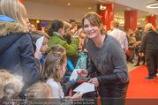 Kinopremiere ´Hilfe, ich hab die Eltern geschrumpft´ - Village Cinemas - Sa 13.01.2018 - Anja KLING gibt Kindern Autogramme35