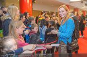 Kinopremiere ´Hilfe, ich hab die Eltern geschrumpft´ - Village Cinemas - Sa 13.01.2018 - Andrea SAWATZKI gibt Kindern Autogramme, macht Fotos42