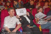 Kinopremiere ´Hilfe, ich hab die Eltern geschrumpft´ - Village Cinemas - Sa 13.01.2018 - Oskar KEYMER mit Mutter59