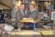 Charity Heringsschmaus Verkauf - Nordsee Naschmarkt - Do 25.01.2018 - Alexander PIETSCH, Alfons HAIDER9