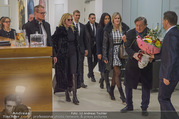 Melanie Griffith Ankunft - Flughafen und Grand Hotel - Di 06.02.2018 - Melanie GRIFFITH, Richard LUGNER, Simona WEISS13