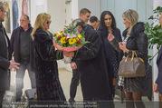 Melanie Griffith Ankunft - Flughafen und Grand Hotel - Di 06.02.2018 - Melanie GRIFFITH, Richard LUGNER, Simona WEISS14