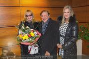 Melanie Griffith Ankunft - Flughafen und Grand Hotel - Di 06.02.2018 - Melanie GRIFFITH, Richard LUGNER, Simona WEISS18