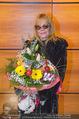 Melanie Griffith Ankunft - Flughafen und Grand Hotel - Di 06.02.2018 - Melanie GRIFFITH21