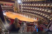 Opernball 2018 - Wiener Staatsoper - Do 08.02.2018 - Festsaal, Baller�ffnung, Blick aus einer Loge, �bersichtsfoto260