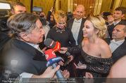 Opernball 2018 - Wiener Staatsoper - Do 08.02.2018 - Cathy LUGNER interviewt Melanie GRIFFITH und Richard LUGNER307