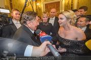 Opernball 2018 - Wiener Staatsoper - Do 08.02.2018 - Cathy LUGNER interviewt Melanie GRIFFITH und Richard LUGNER308