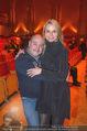 Florian Scheuba Premiere - Stadtsaal - Di 20.02.2018 - Rudi ROUBINEK mit Susanne9
