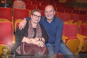 Florian Scheuba Premiere - Stadtsaal - Di 20.02.2018 - Herbert PROHASKA mit Ehefrau Elisabeth10