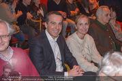 Florian Scheuba Premiere - Stadtsaal - Di 20.02.2018 - Christian KERN mit Ehefrau Eveline STEINBERGER-KERN20