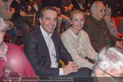 Florian Scheuba Premiere - Stadtsaal - Di 20.02.2018 - Christian KERN mit Ehefrau Eveline STEINBERGER-KERN21