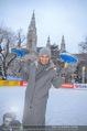 SuperFit Charity Eisstockschießen - Rathausplatz - Mi 21.02.2018 - Sylvia GRAF10