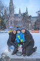 SuperFit Charity Eisstockschießen - Rathausplatz - Mi 21.02.2018 - Alex LIST mit Tanja und Felix20
