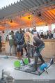 SuperFit Charity Eisstockschießen - Rathausplatz - Mi 21.02.2018 - Yvonne RUEFF beim Eisstockschiessen29