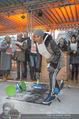 SuperFit Charity Eisstockschießen - Rathausplatz - Mi 21.02.2018 - Arabella KIESBAUER beim Eisstockschiessen30