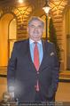 26Bar Opening - Kempinski Hotel - Mi 07.03.2018 - Gerhard MITROVITS vor dem Hotel Kempinski (Portrait)33