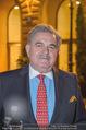 26Bar Opening - Kempinski Hotel - Mi 07.03.2018 - Gerhard MITROVITS vor dem Hotel Kempinski (Portrait)34