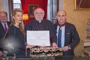 Orden für Ali Rahimi - Apostolische Nuntiatur - Di 13.03.2018 - Ali RAHIMI mit Carina (PIRNGRUBER), Nuntius Peter Stephan ZURBRI18