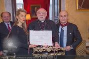 Orden für Ali Rahimi - Apostolische Nuntiatur - Di 13.03.2018 - Ali RAHIMI mit Carina (PIRNGRUBER), Nuntius Peter Stephan ZURBRI19