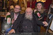 Hermann Nitsch Geburtstag - Marchfelderhof - Mi 14.03.2018 - Michael P. MARTIN mit Tochter, Hermann NITSCH24