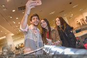 20 Jahre P&C - Peek & Cloppenburg - Mi 21.03.2018 - Alvaro SOLER macht Selfies mit Fans21