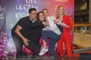 Kinopremiere Die letzte Party Deines Lebens - Cineplexx Donauplex - Do 22.03.2018 - Hisham MORSCHER, Antonia MORETTI, Valerie HUBER, Chantal ZITZENB37