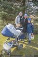 Lindt Goldhasensuche - Botanischer Garten Schönbrunn - So 25.03.2018 - Kati BELLOWITSCH mit Daniel GEYER und Sohn Laurenz10