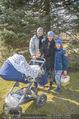 Lindt Goldhasensuche - Botanischer Garten Schönbrunn - So 25.03.2018 - Kati BELLOWITSCH mit Daniel GEYER und Sohn Laurenz12