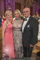 Dancer against Cancer - Hofburg - Sa 14.04.2018 - Silvia SCHNEIDER mit Eltern Martha SCHNEIDER und Stiefvater Leop143