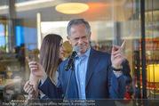 Al Banco Bar Opening - Erste Bank Campus - Di 24.04.2018 - Andreas TREICHL singt live42
