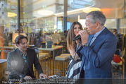 Al Banco Bar Opening - Erste Bank Campus - Di 24.04.2018 - Andreas TREICHL singt live46