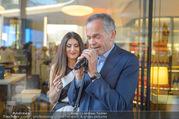 Al Banco Bar Opening - Erste Bank Campus - Di 24.04.2018 - Monika BALLWEIN, Andreas TREICHL singen ein Duett47