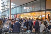 Al Banco Bar Opening - Erste Bank Campus - Di 24.04.2018 - Al Bance Bar von außen62