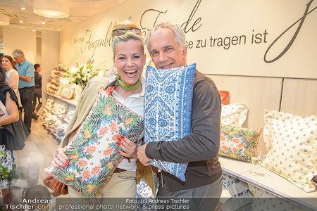 Lena Hoschek Kollektion - Betten Reiter - Mi 25.04.2018 - Evelyn RILLE, Johannes IFKOVITS1