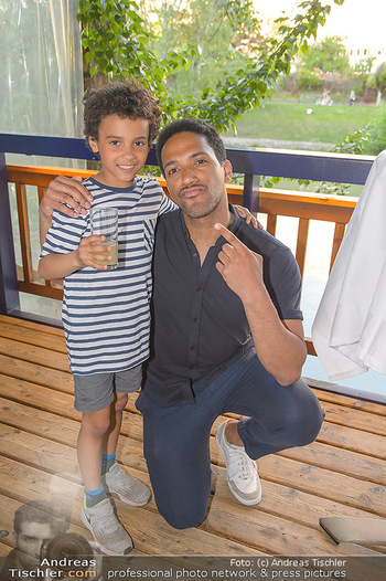 Cesar Sampson Farewell Party - Summerstage - Mi 25.04.2018 - Cesar SAMPSON mit Cousin Samuel15