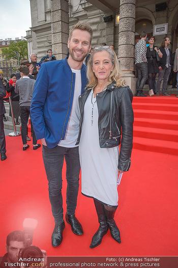 Amadeus Austria Music Awards 2018 - Volkstheater - Do 26.04.2018 - Christoph FEUERSTEIN, Kathrin ZECHNER26