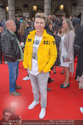 Amadeus Austria Music Awards 2018 - Volkstheater - Do 26.04.2018 - Virginia ERNST55