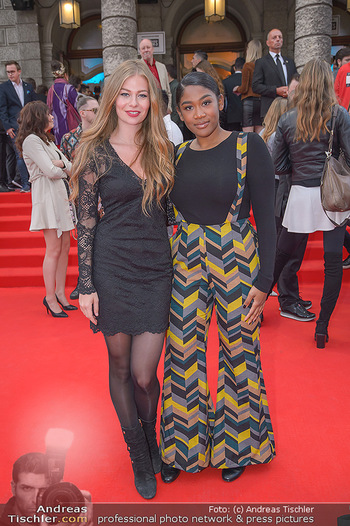 Amadeus Austria Music Awards 2018 - Volkstheater - Do 26.04.2018 - ZOE STRAUB, Rose May ALABA67