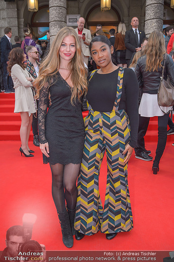 Amadeus Austria Music Awards 2018 - Volkstheater - Do 26.04.2018 - ZOE STRAUB, Rose May ALABA68