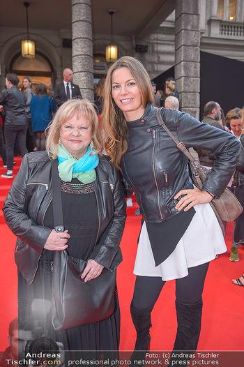 Amadeus Austria Music Awards 2018 - Volkstheater - Do 26.04.2018 - Marianne MENDT, Celine ROSCHEK83