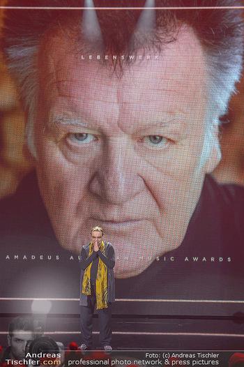 Amadeus Austria Music Awards 2018 - Volkstheater - Do 26.04.2018 - Rudi DOLEZAL ehrt WILFRIED f�r sein Lebenswerk posthum221