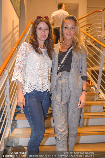 Store Opening - Not another concept store Ringstraßen Galerien - Mi 02.05.2018 - Sabine KARNER, Martina M�LLER26