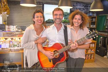 Andie Gabauer Videopräsentation - Favvas Gourmet Delicatessen - Do 03.05.2018 - Andie GABAUER, Christina und Anastasia KARAGIANNIS5