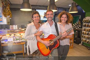 Andie Gabauer Videopräsentation - Favvas Gourmet Delicatessen - Do 03.05.2018 - Andie GABAUER, Christina und Anastasia KARAGIANNIS6