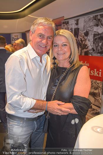 Pro Juventute Charity Gala - Studio 44 - Mo 07.05.2018 - Walter SCHACHNER mit Ehefrau Conny Cornelia11