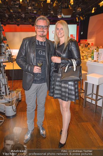 Pro Juventute Charity Gala - Studio 44 - Mo 07.05.2018 - Nik P. mit Freundin Karin CANDUSSI (?)14