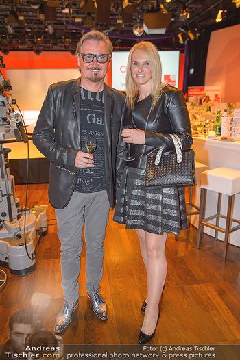 Pro Juventute Charity Gala - Studio 44 - Mo 07.05.2018 - Nik P. mit Freundin Karin CANDUSSI (?)15