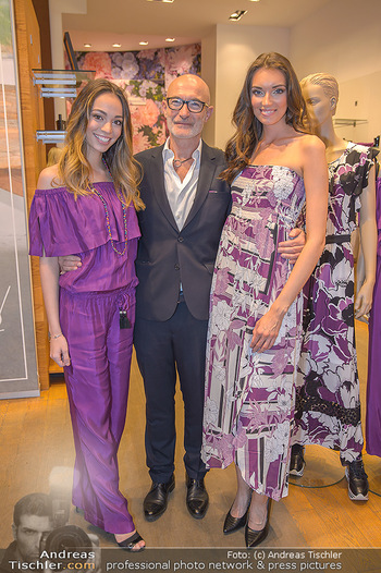 Bettina Assinger Kolletion - Jones Store - Di 08.05.2018 - Celine SCHRENK, Gabor ROSE, Angelina STOLZ2